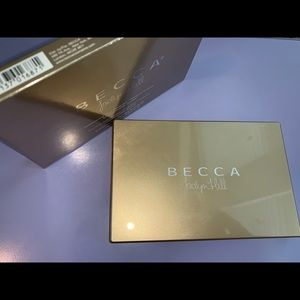 LE Becca Jaclyn Hill Champagne Glow Palette